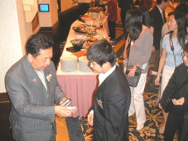 知事の1日 信州・長野県知事 田中康夫